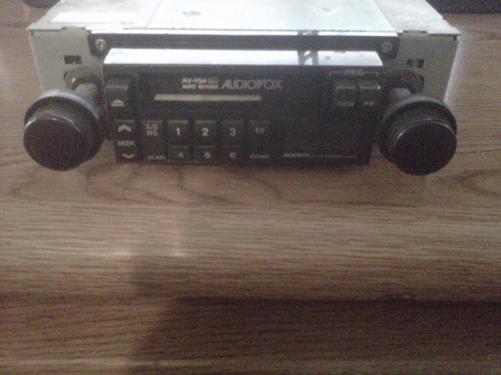 Who Has Audiovox Xt Fm Cassette Car Stereo Color