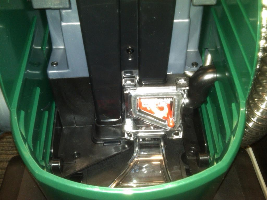 how to clean bissell easy vac